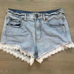 Amazing free people shorts with lace detailing